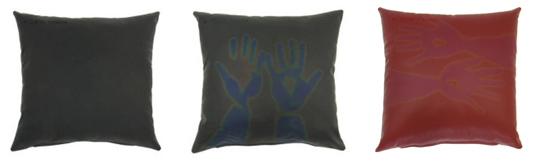 Please touch pillow de NunoErin